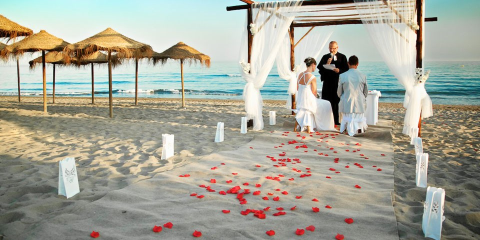 Matrimonio Simbolico En La Playa : Cómo organizar bodas en la playa musicaparaboda